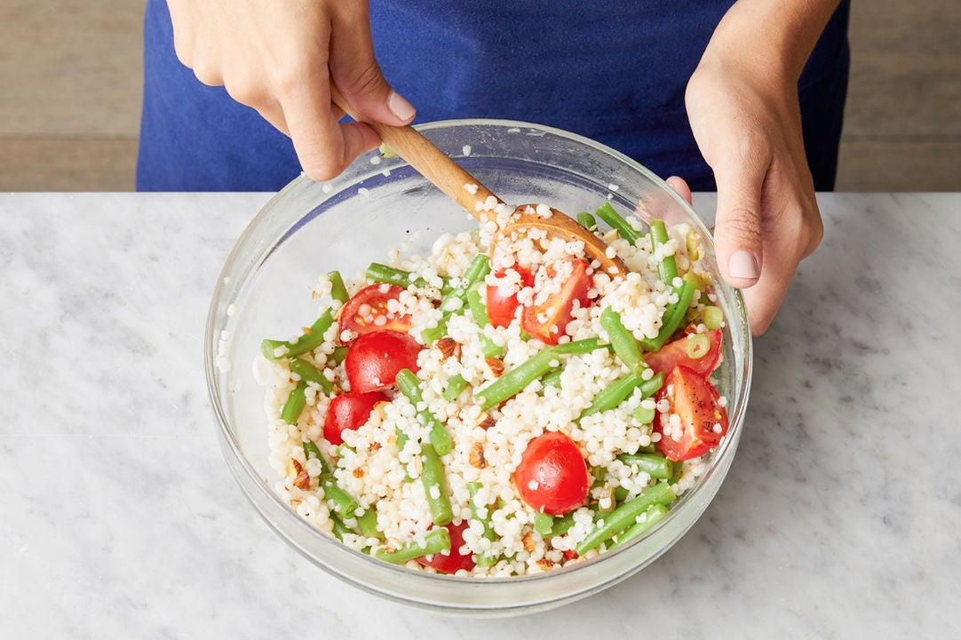 Finish the couscous & serve your dish: