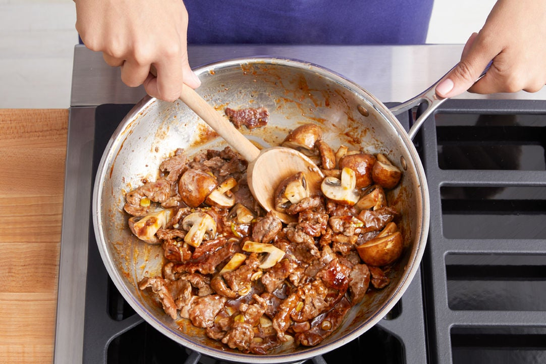 Cook the beef & mushrooms: