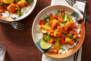 Spicy Chicken & Vegetable Stir-Fry with Persimmon Rice