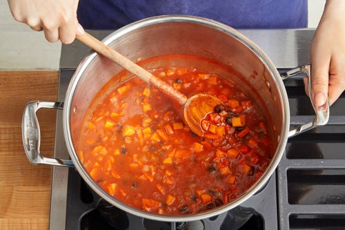 Make the chili: