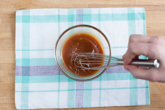 Make the stir-fry sauce: