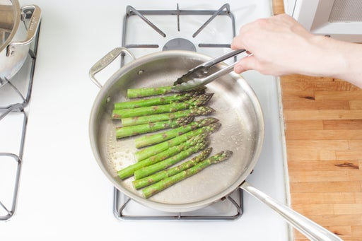 Cook the asparagus: