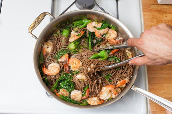 Add the soba noodles: