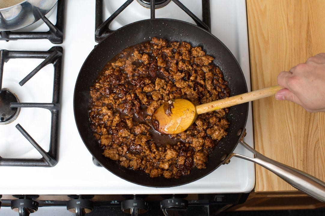 Make the caramel & finish the pork: