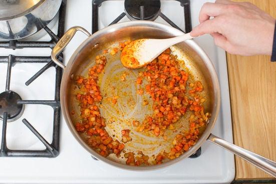 Add the tomato paste: