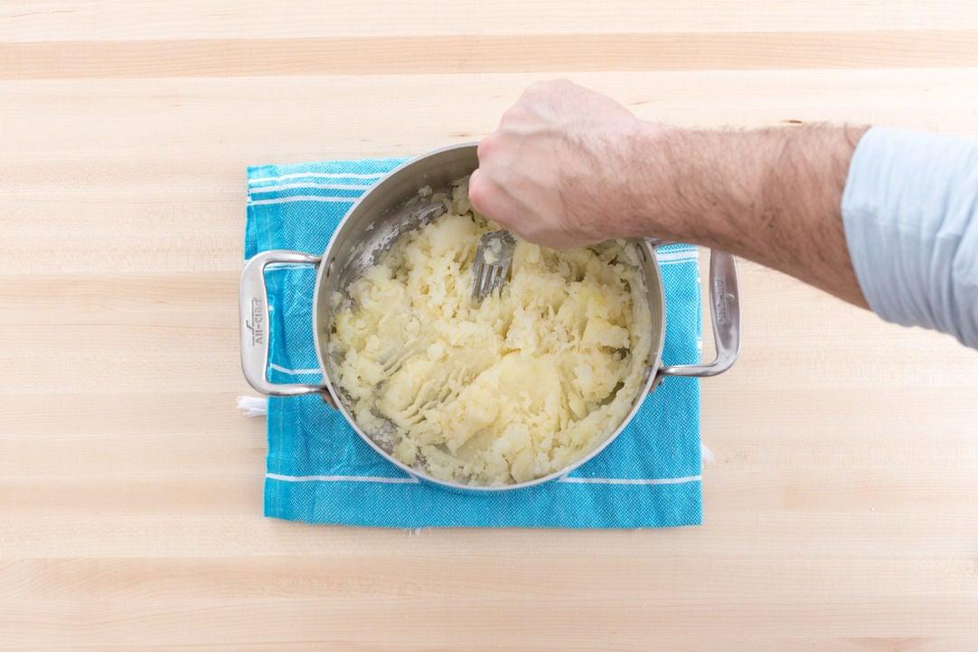 Make the parsnip-potato mash:
