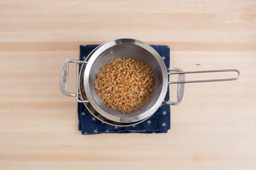 Cook the einkorn: