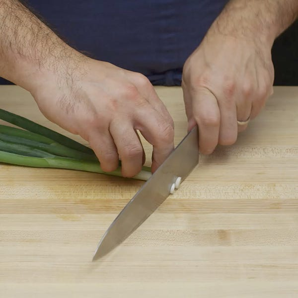Chopping scallions sq