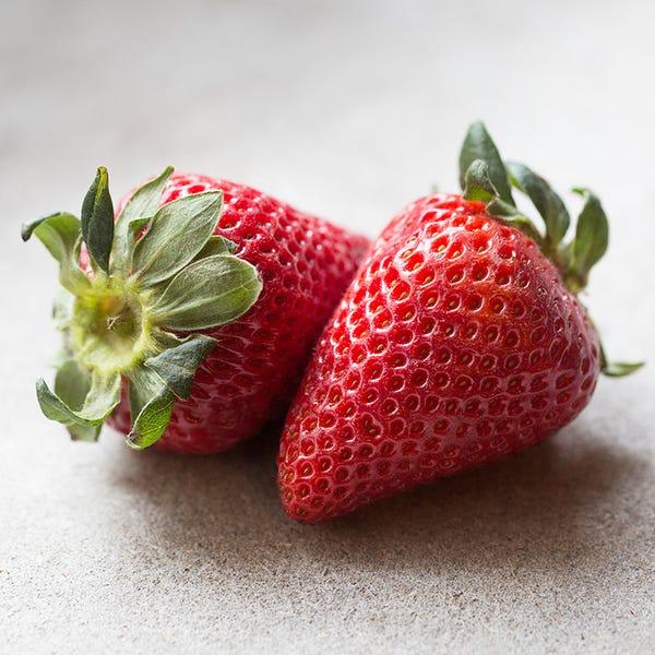 Beauty strawberries 6305