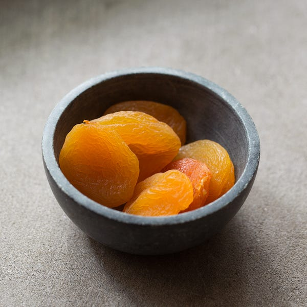 Beauty driedapricots 3174
